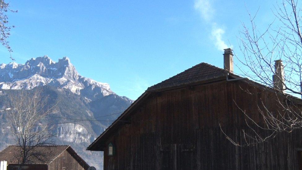 Alpine shed and smoke