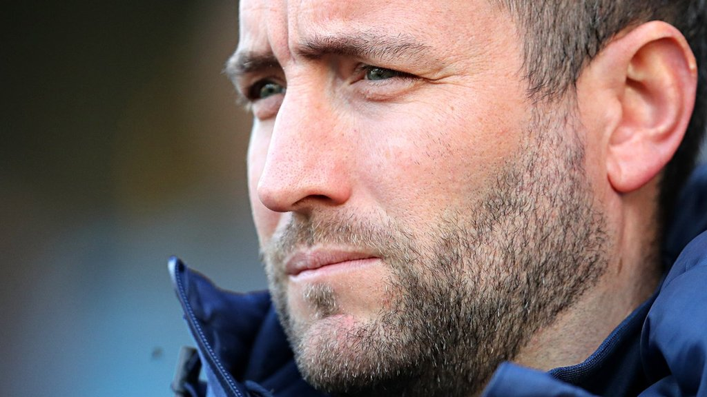 Lee Johnson: Bristol City head coach set for contract talks