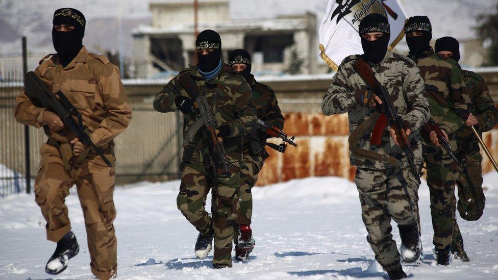 Jaysh al-Islam fighters train outside Damascus (January 2014)
