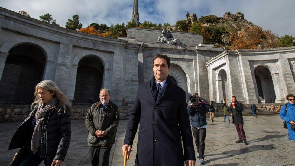 Luis Alfonso de Borbón, uno de los nietos de Franco, tras asistir a una misa en el Valle de los Caídos.