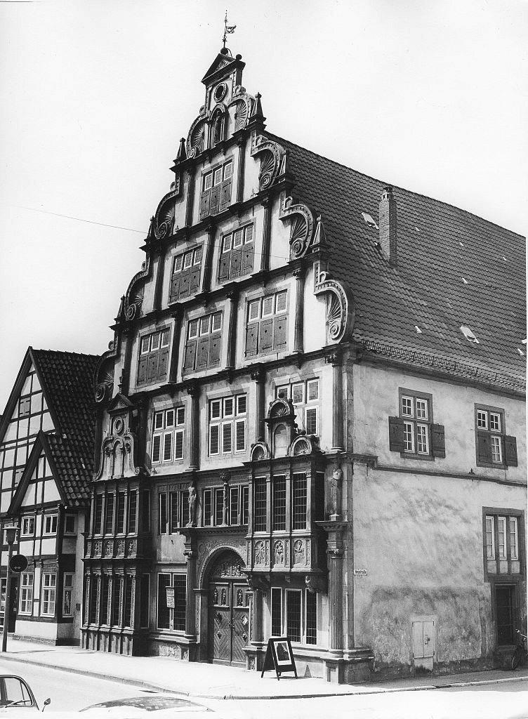 Hexenbürgermeisterhaus, Lemgo, built in 1571