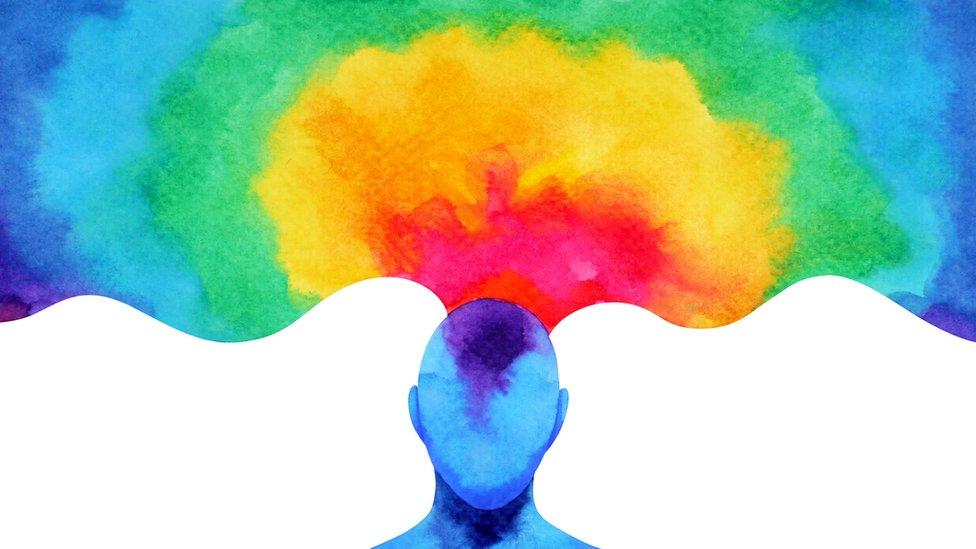 Mente con colores