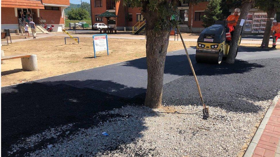 Valjak za nabijanje asfalta