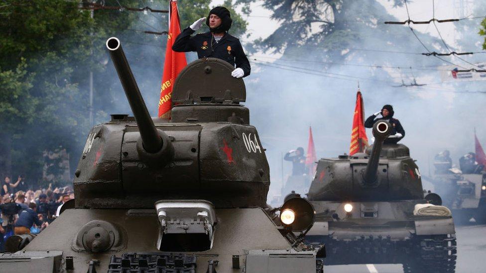 دبابة روسية في منطقة القرم