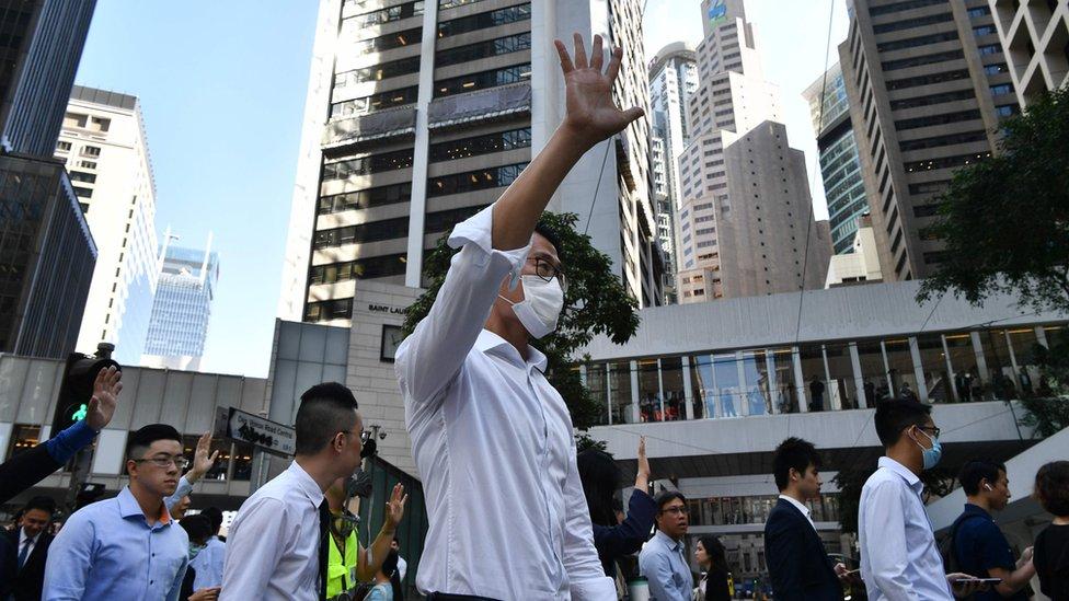 選舉翌日中環繼續有抗議活動。