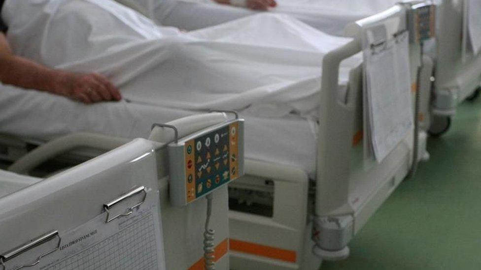 Bolnički kreveti