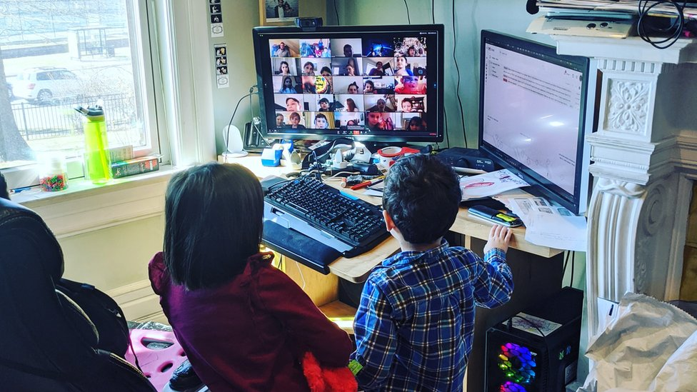 A picture showing Tamar Weinberg's children having a virtual lesson from home