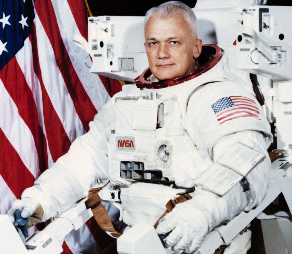 Bruce McCandless with his MMU, pictured in 1982