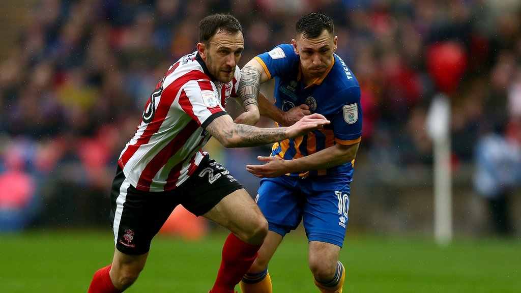 Neal Eardley: Lincoln City Player of the Season pens new deal