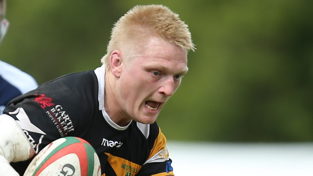Want to lose weight for rugby? Try sheep-shearing, says Merthyr's Osian Davies