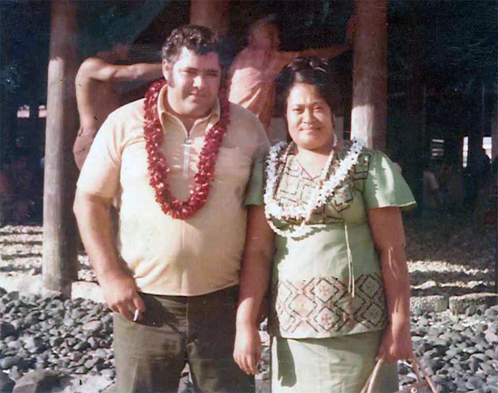 والدا لانس عام 1974