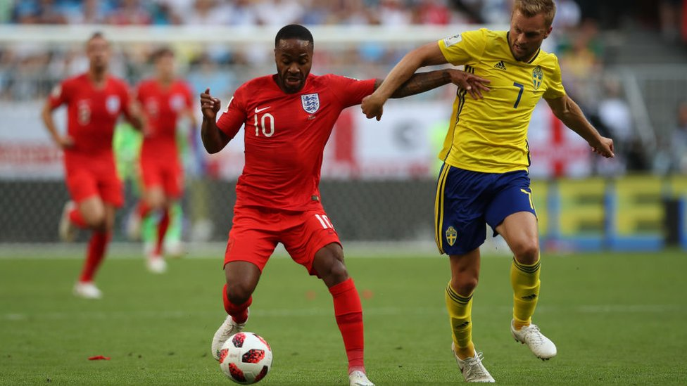 El jugador inglés Raheem Sterling en el partido contra Suecia.