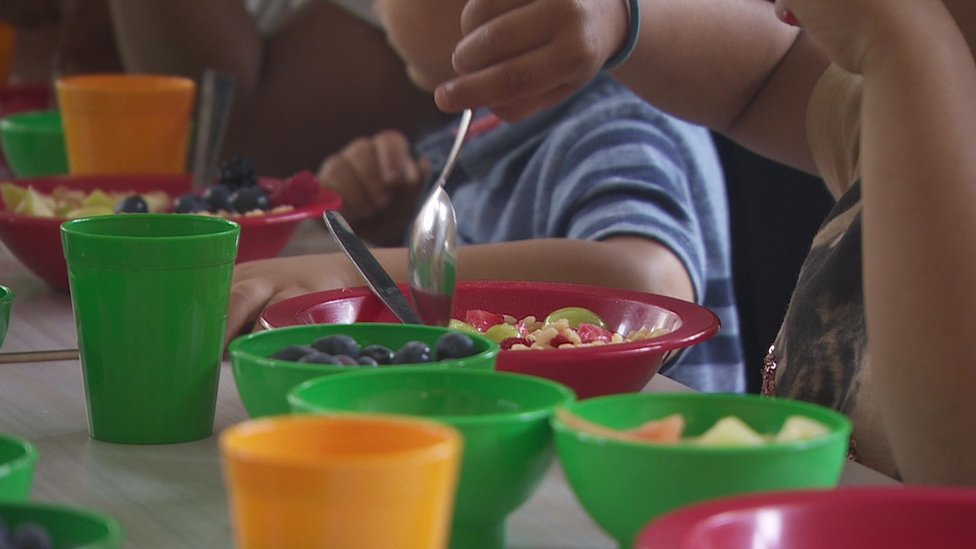 Holiday kitchen helps support families in Manchester