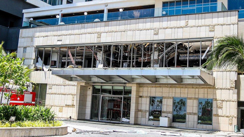 Specijalne jedinice pretražuju hotel koji je bio jedan od meta bombaških napada