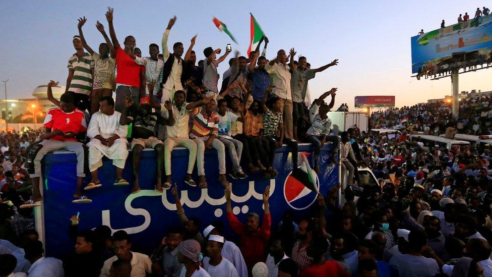 Hartum'daki protestocular
