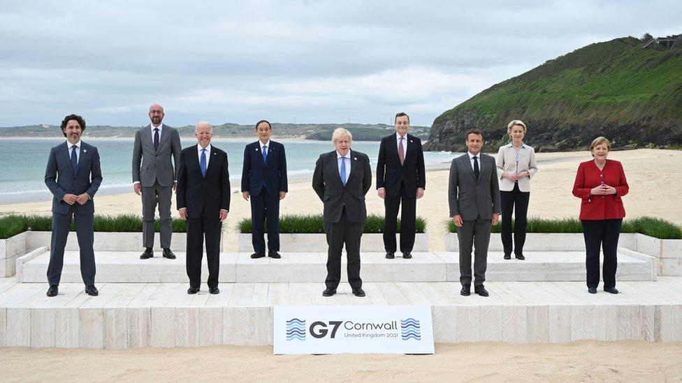 G7成員國與歐盟領導人在英國康沃爾郡法爾茅斯G7峰會會場合照(11/6/2021)