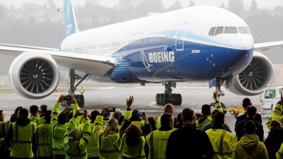 Фото: первый испытательный полет самолета Boeing 777X