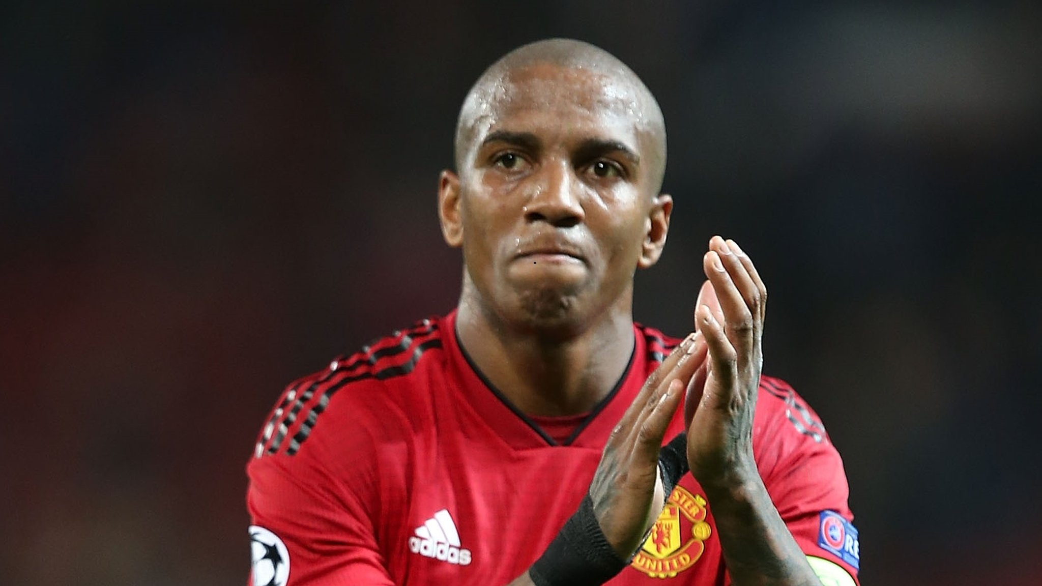 Ashley Young: Manchester United in talks to extend right-back's contract