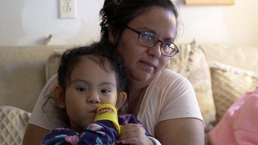 NO USAR | BBC. Debora Hernández y su hija Berenice