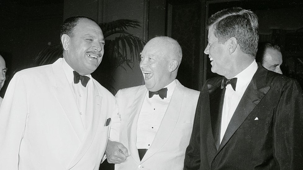 ایوب خان کی جانب سے جوابی عشائیے میں امریکی صدر جان کینیڈی کے علاوہ سابق امریکی صدر آئزن ہاور نے بھی شرکت کی