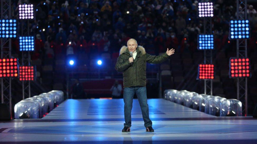 Vladimir Putin en un escenario.