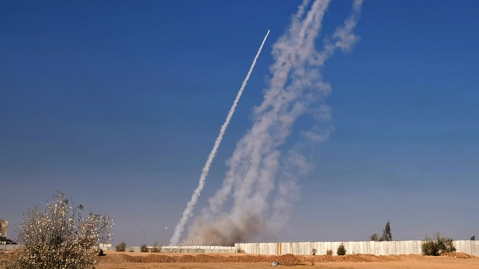 Rockets are fired from the Qayyarah military base, south of Mosul, during an operation by Iraqi forces to retake the city from the Islamic State (IS) militants, 4 November 2016