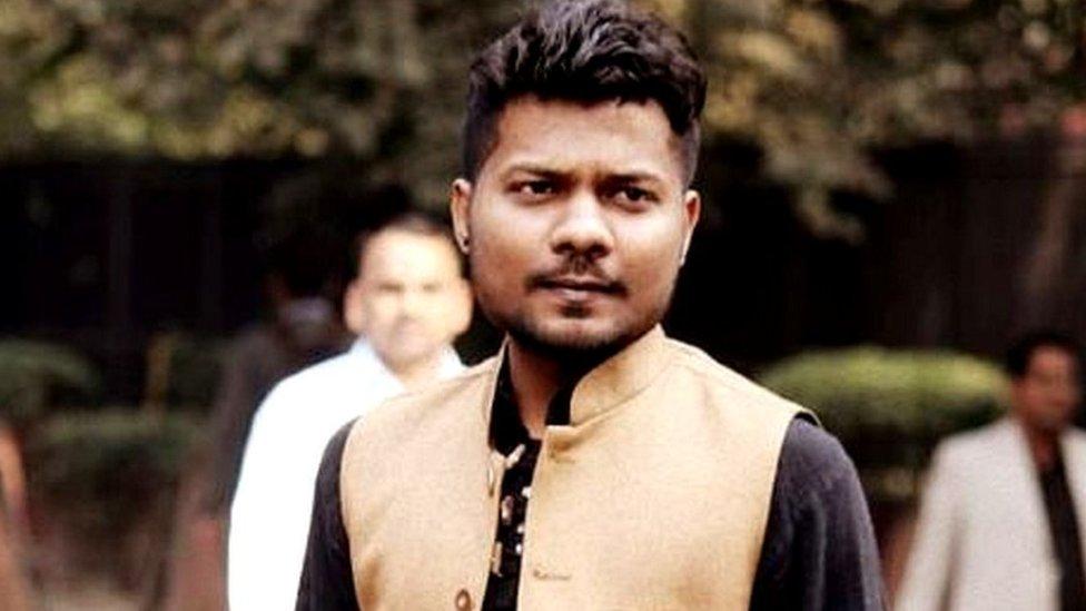 योगी आदित्यनाथ पर 'आपत्तिजनक' ट्वीट, पत्रकार प्रशांत कनौजिया गिरफ़्तार