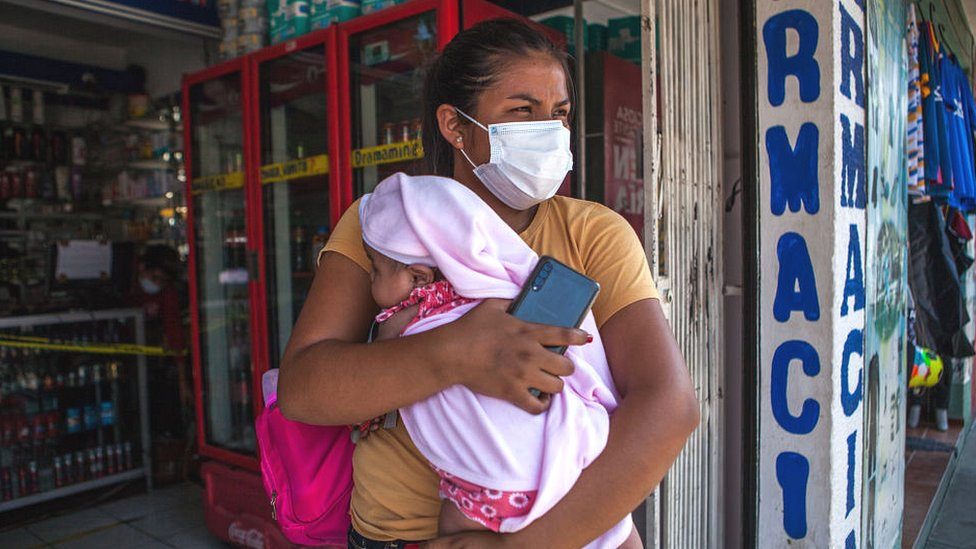Mujer con bebé