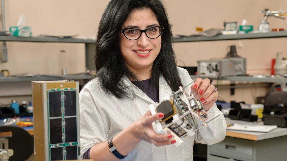 La estadounidense de origen mexicano Ali Guarneros Luna es una de las pocas mujeres latinas en trabajar en el Centro Ames de la NASA en Silicon Valley, California.