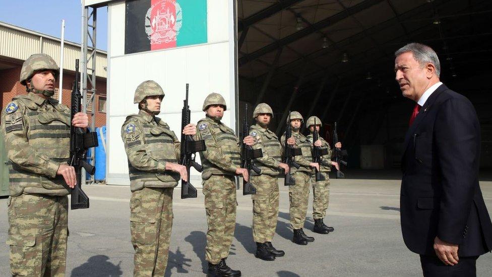 Milli Savunma Bakanı Hulusi Akar 2018'de Afganistan'daki Türk askerlerini ziyaret etmişti