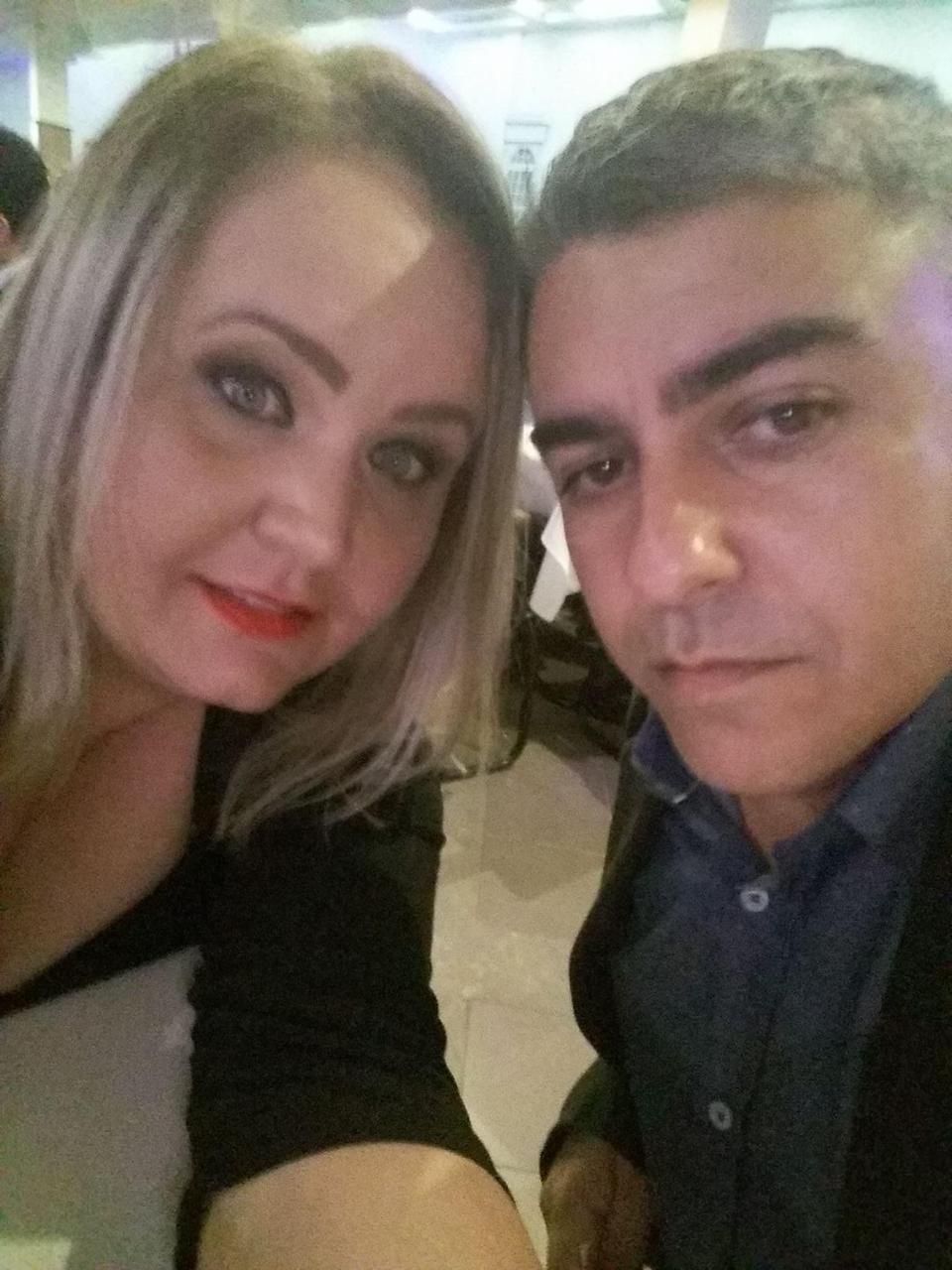 Valéria e o esposo, Carlos