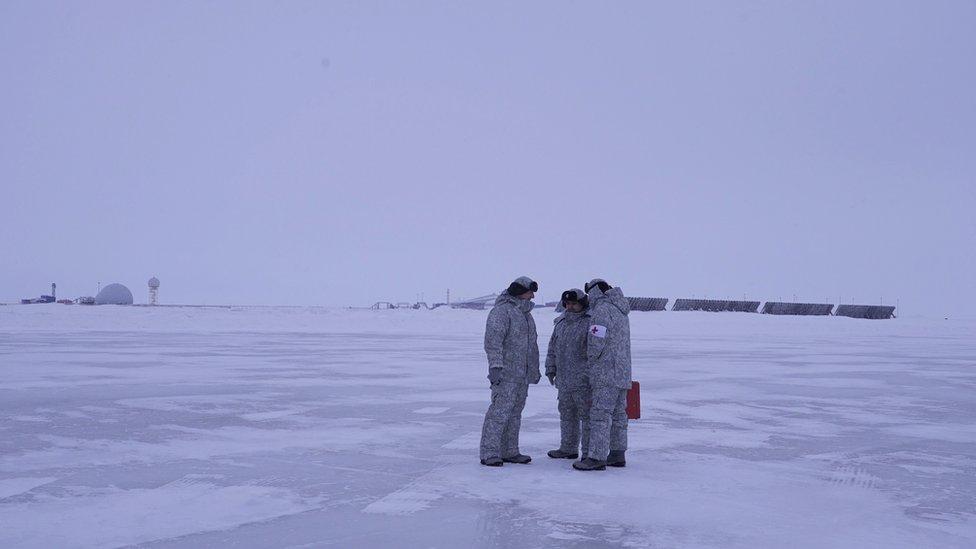 Militares rusos en Franz Josef Land