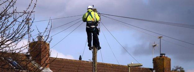 Telephone line engineer