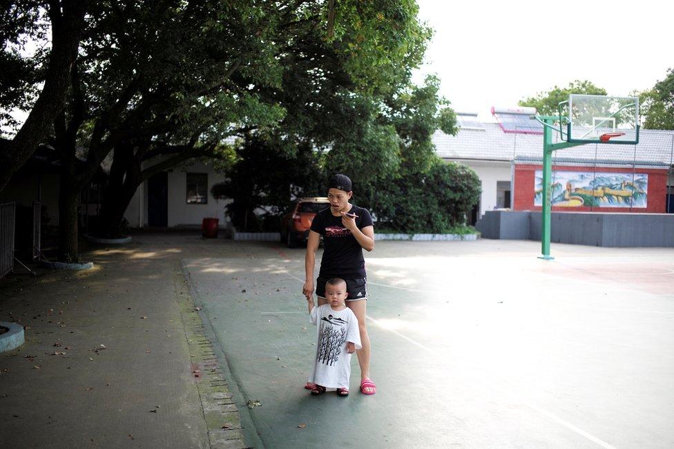 Pored toga što boksuje, Huang radi i kao učiteljica