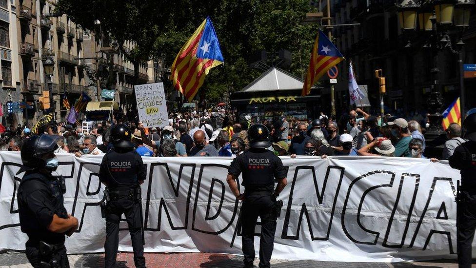 Katalan bağımsızlık yanlıları, hükümetin adımının
