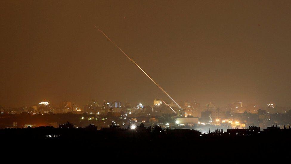 صور لصواريخ موجهة إلى إسرائيل