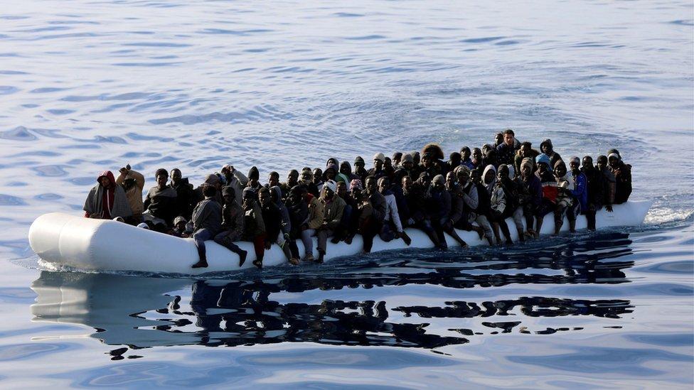 Migrantska kriza: Više od 100 migranata se utopilo blizu Libije