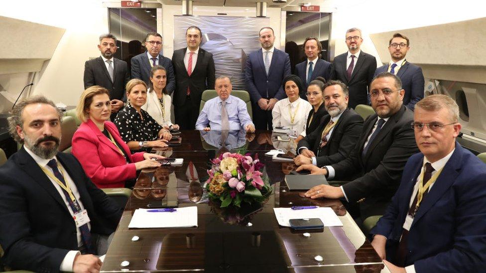 Erdoğan uçakta gazetecilerle