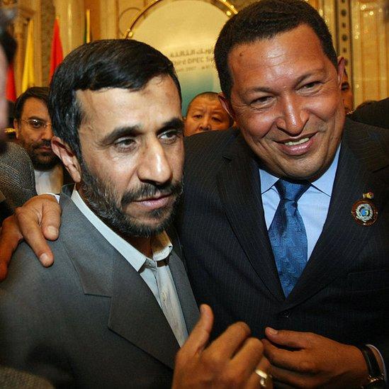 Mahmud Ahmadineyad y Hugo Chávez establecieron una estrecha alianza.