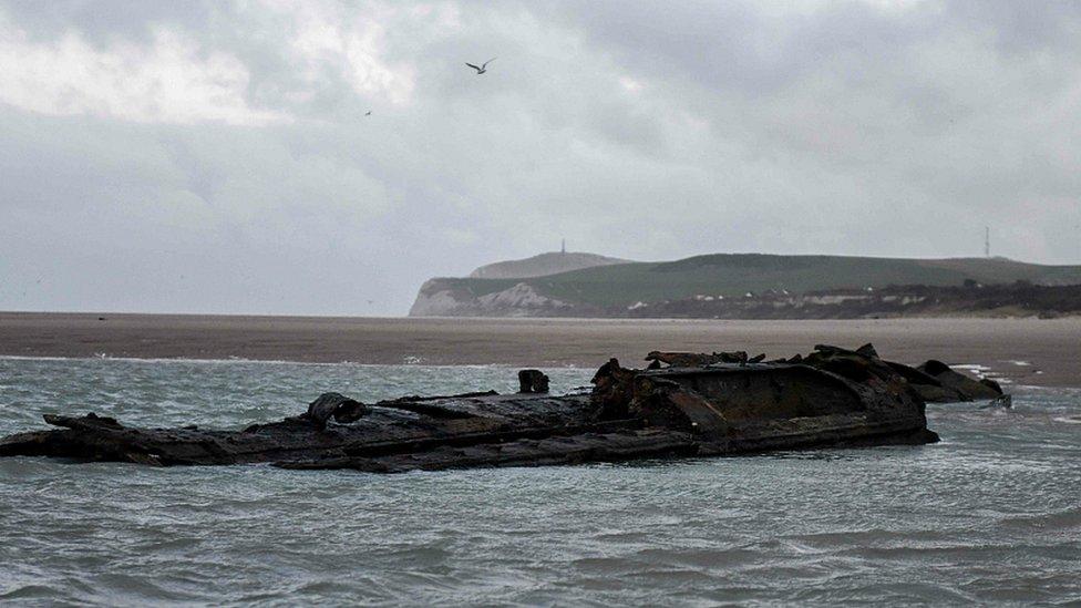 Restos del submarino alemán.