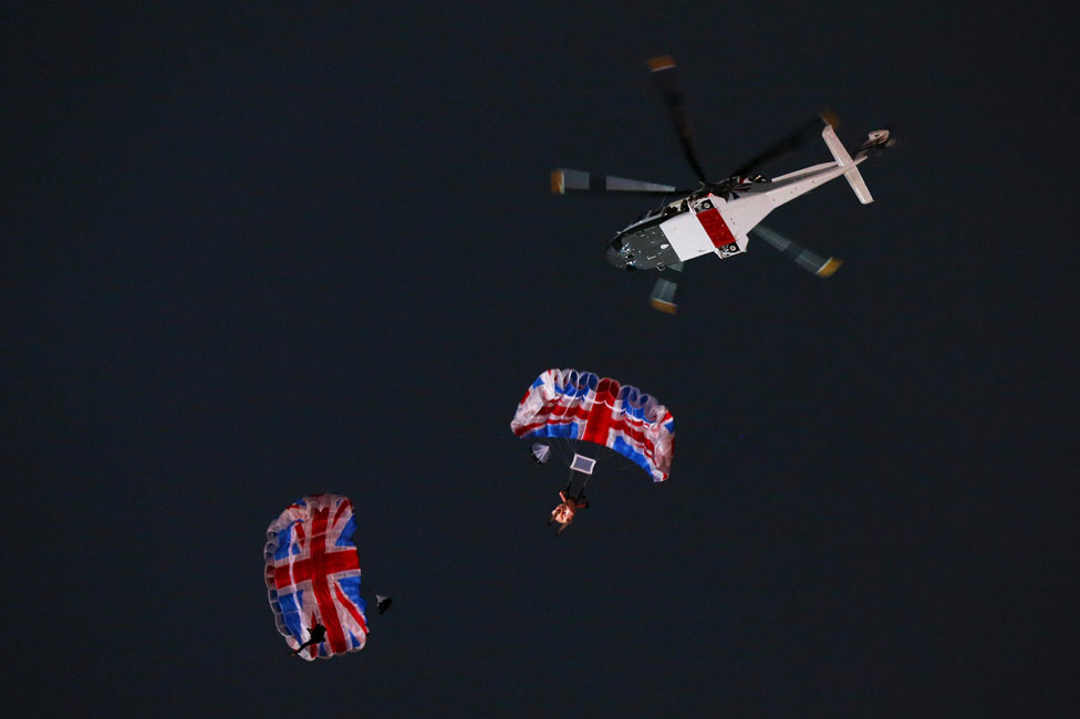 Parachute jump at the London 2012 Olympics ceremony