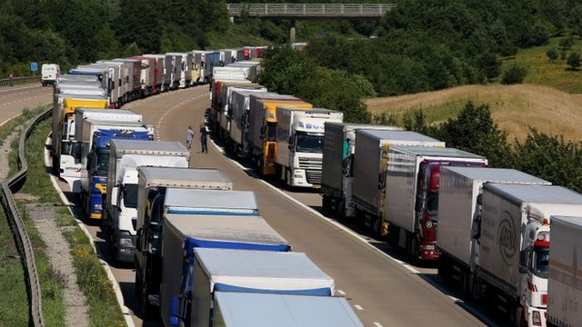 Lorries queuing in Operation Stack