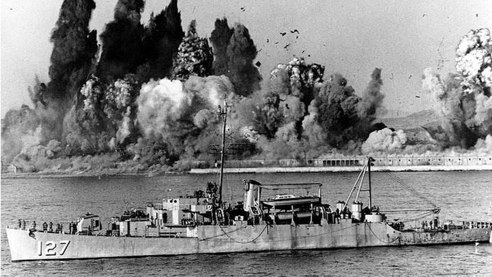 Explosions caused by UN on Hungnam beach
