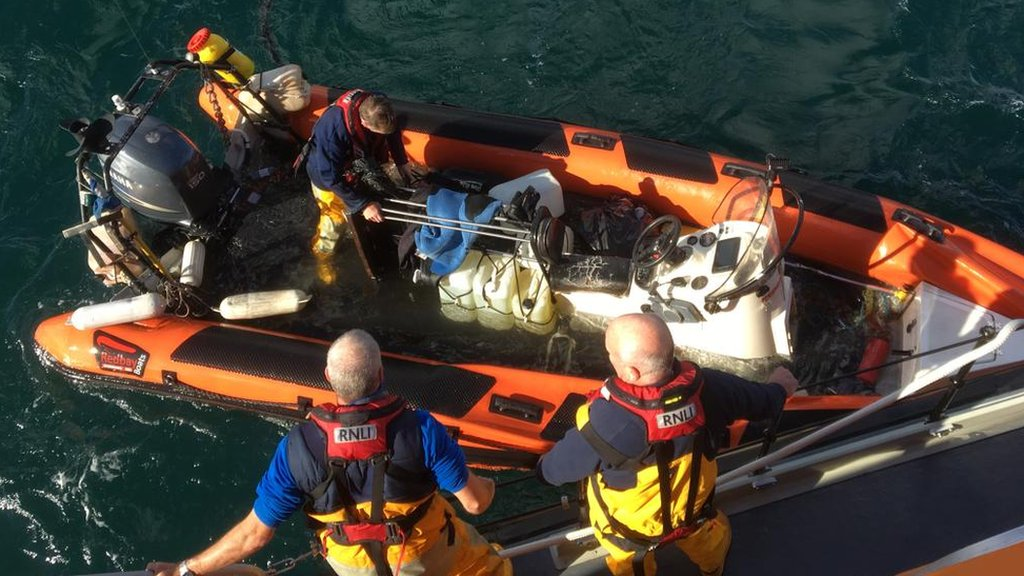 Rathlin Ferry rescues five divers