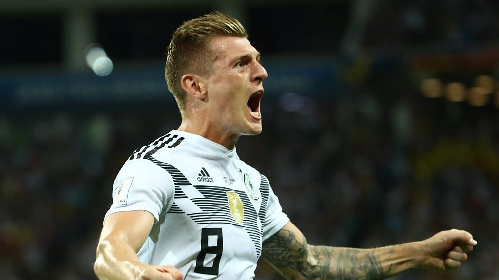 World Cup 2018: Toni Kroos nets injury-time winner for Germany against Sweden