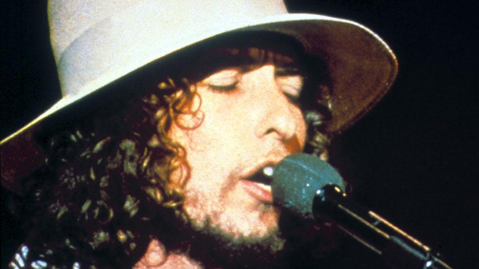 Dylan singing