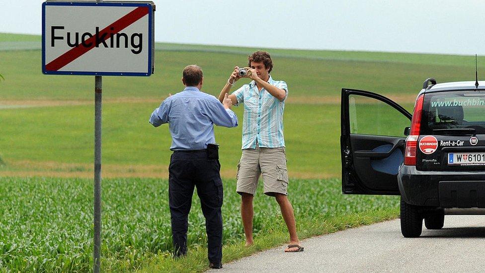 Фуггинг, бывший Фуккинг: жителям деревни в Австрии надоели шутки тех, кто знает английский