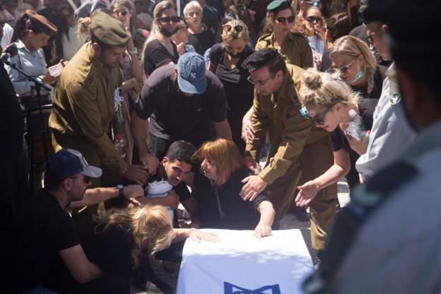 Pemakaman tentara Israel yang tewas.