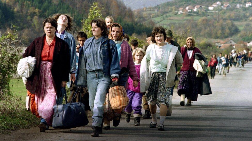 Mujeres bosnias desplazadas tras la guerra de independencia de Yugoslavia