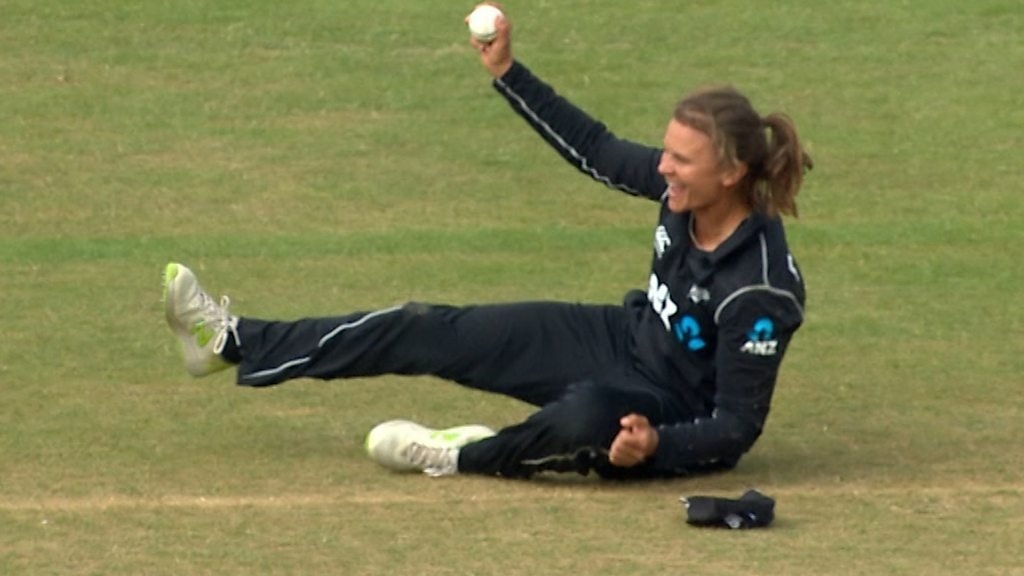 England v New Zealand: Katherine Brunt dismissed by fantastic Suzie Bates catch